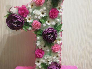 Cifra 1 din flori artificiale