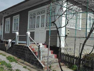 Продается дом в центре с. Михейлень, Бричанского района