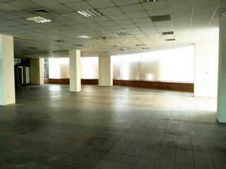 Дачиа/Дечебал, сдается в аренду на длительный срок 780 кв.м торговых  площадей на 1 этаже.