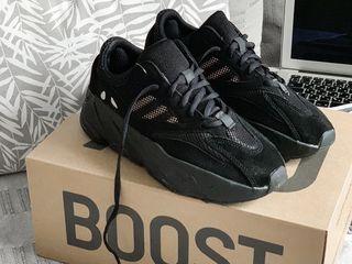 Adidas Yeezy Boost 700 Runner Triple Black