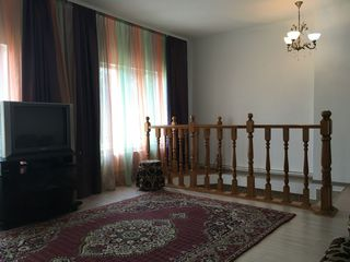 Casa in chirie, 97 m2  - Centru. Pe termen lung