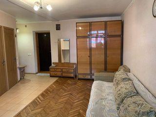 Sculeni! Se vinde apartament cu 2 odai, reparatie, mobila si tehnica de uz casnic!
