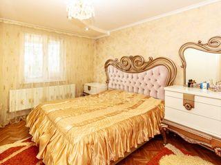 Vânzare Casă, Sîngera str. Independenții,  74900 €