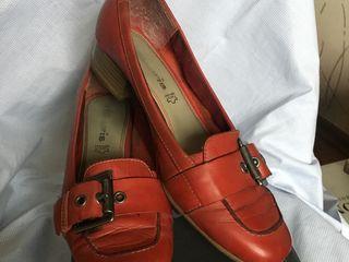 Обувь 40 размера из натуральной кожи (ботинки на танкетке,туфли) по хорошей цене