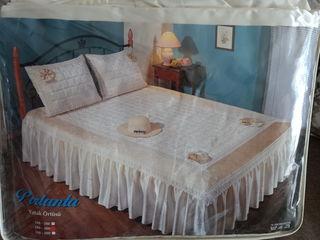 Vînd set pe dormitor nou.