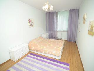 Apartament spațios, 2 dormitoare+salon, bd. Decebal, 460 € !