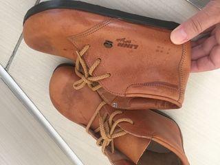 Papucei din piele naturală, înăuntru tot, absolut noi, cumpărați în Italia, foarte calitativi: 2 per
