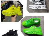Коссовки  и летняя обувь.
