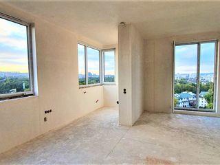 Art Urban Grup propune la Valea Trandafirilor apartament cu 3 odăi 84 m2.