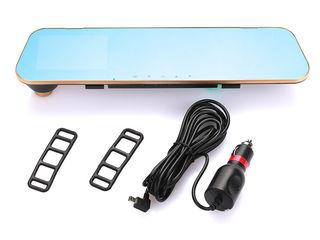 1Видеорегистратор-современная реализация регистратора в форме зеркала заднего вида с дисплеем.