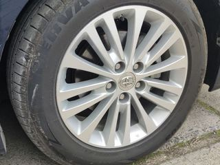 Диски Toyota Avalon с резиной