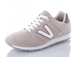 Продам новые мужские кроссовки весна-осень.