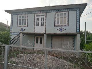 Продам 2-ух этажный дом в г.Рышкань в районе Копачанка возле автосервиса .