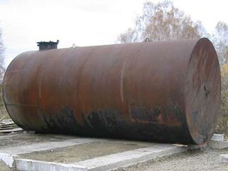 Цистерна металлическая 4 тонн и 8 тонн