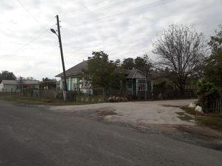 Продаётся дом с участком 8 соток в центре