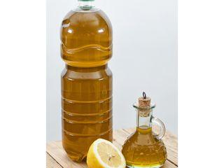 Свежее оливковое масло из греческой деревни.Экстра вэрджин. ЭКО 100%