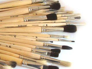 Художественные краски, кисти, холсты и инструменты