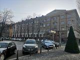 Продаётся офис в центре Кишинёва
