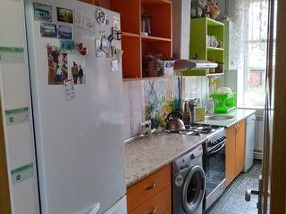 Se vinde apartment cu doua camere in pareche cu constructie in centru orasului Soroca la super pret!