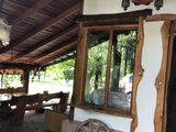 Se vinde vila cu un design deosebit in stil rustic, 24 sote pamant