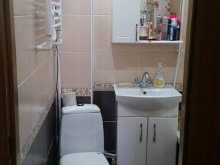 Vânzare apartament 2 camere +balcon mare  mobilat în Soroca    (  25 000 euro  )
