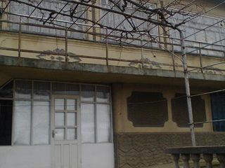 Bubuieci. Бубуечь 3 км от Кишинёва  Дом 2 этажный продаём Срочно  = 38,000 евро  все комуникации  !