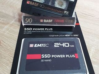 Новый запечатанный SSD SATA на 240gb - 650 лей