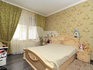 Apartament cu 3 camere, 127 mp, Telecentru, 550 € !
