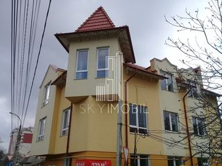 Casa cu 3 etaje, euroreparatie. Centru, str. Ismail.