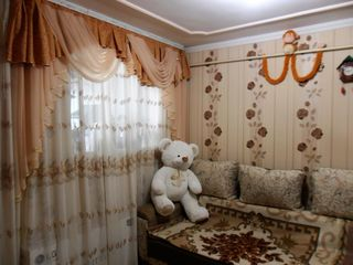 Меблированая 2-х комнатная кв-ра со всеми условиями в Яловень по ул. П. Штефэнукэ. Цена: 21000 евро