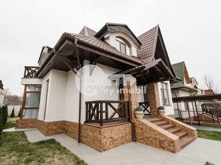 Chirie casă în 3 nivele, reparație euro/mobilată, 250 mp, Buiucani 2500 €