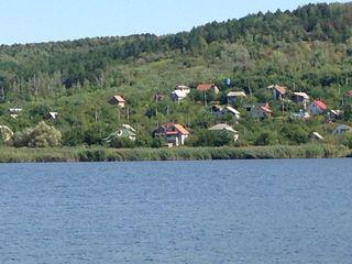 Дача у озера возле Кишинева -рыбалка