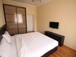 Chirie bloc nou zona Sun Sity,Radisson , 2 dormitoare ,conditioner.