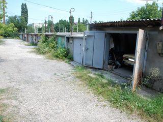 garaj cu subsol 48 m.p.