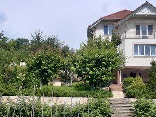 Casa individual linga stauceni gutuia galbena 220м2 / дом в районе ставчен гутуя галбена 220м2