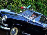 Свадьба в рэтро стиле!  чорный лимузин и белое платье невесты. с ценой договоримся!