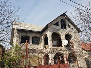 Casa in doua niveli in Cricova