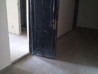 Квартира 53кв.м.унгены дом сдан в эксплуатацию 2 этаж середина.