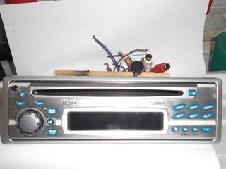 Авто-радио-магнитола Clarion DB328R