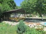 Бассейн, деревъяные домики baie cu abur pentru doi. dormitor.