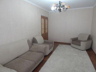 Chirie , centru, 3 odai, Albisoara 8 -     250 euro