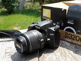 Vind urgent Nikon D3200 + obiectiv 18-55mm. in stare perfecta