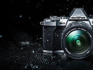 Olympus OM-D E-M5 Mark II Mirrorless Camera w/ 25mm f/1.8 Lens