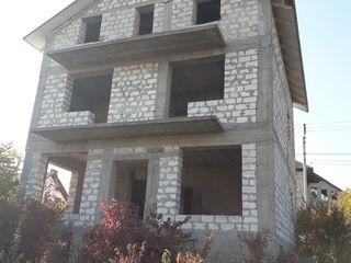 Se vinde casa nefinisată, sect Buiucani