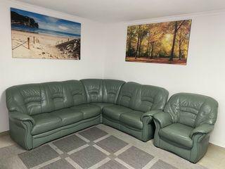 Кожаный уголок(раскладывается),кресло. Longlife.  Германия.