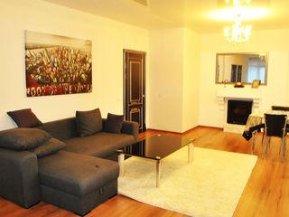 Chirie! Dragalina, Botanica, str. Trandafirilor, 3 odăi, 92 m2, euroreparație!