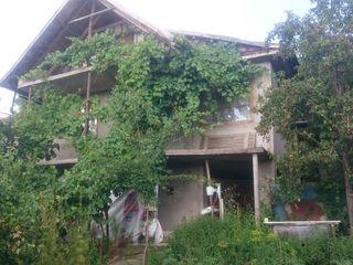 Продаю дачный участок/Vind casa pe pamint