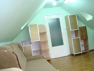 Se oferă spre chirie casă cu 3 nivele, Centru , str. Bucuresti