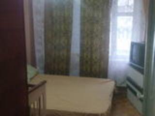 se vinde apartament cu 3 odai buiucani L. Deleanu 5/1 41000 fara agentii