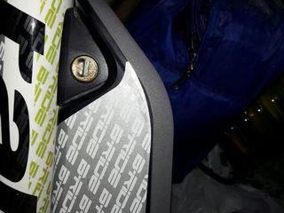 Аксессуары  электро-велосипедов, в наличии и под заказ зарядки,ключи и компьютеры.
